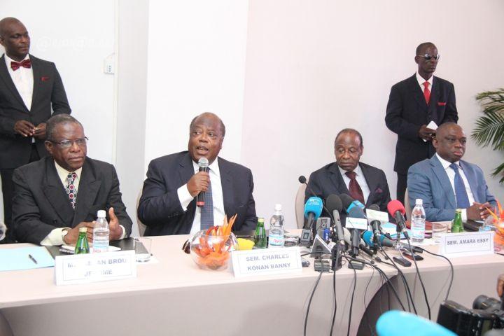 Charles Konan Banny, Amara Essy, Jérôme Kablan Brou et  Bertin Kouadio Konan annoçant leur absence au congrès du PDCI. © Abidjan. net