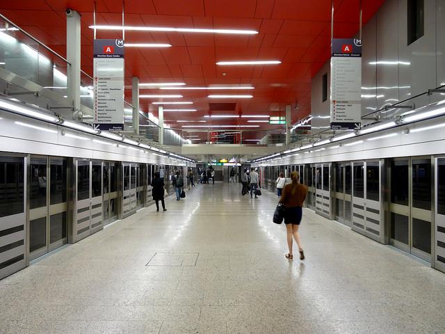 Ligne A Métro Toulouse - Station Jean Jaurès